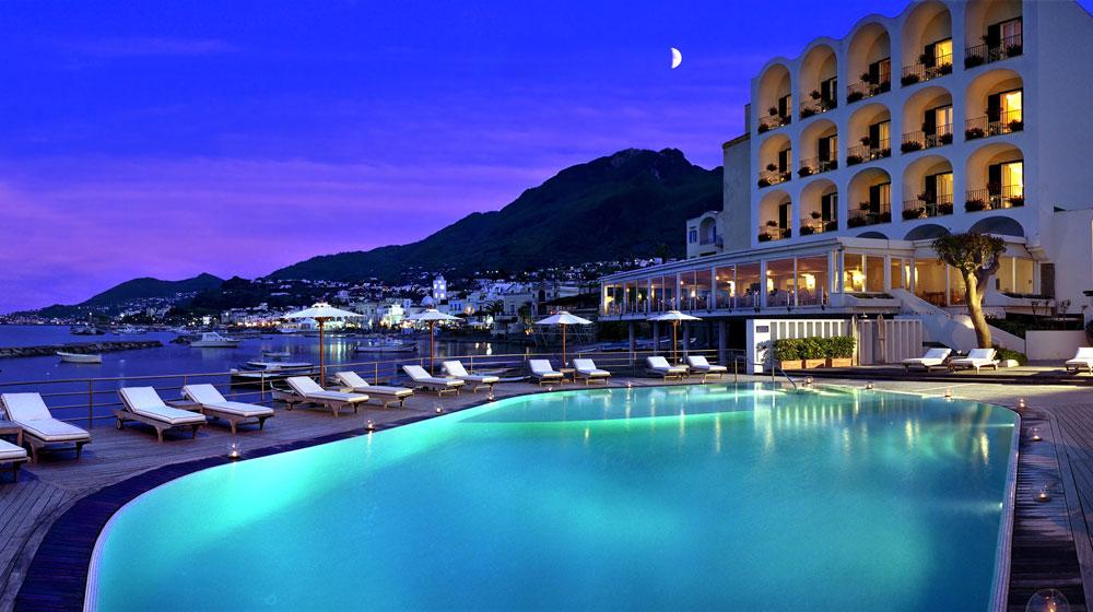 fattidistorie_hotel_Regina-Isabella3